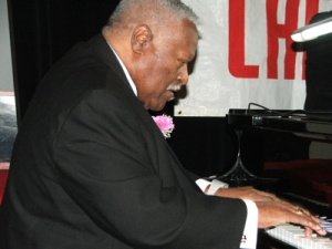 Evening in honor of John Wright organized by the Hyde Park Jazz Society at the Checkerboard Lounge in 2008